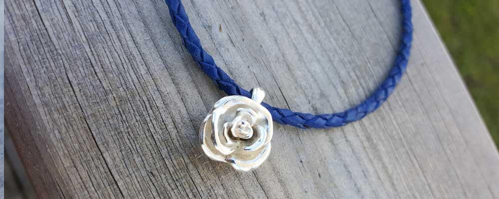 rose-pendant1